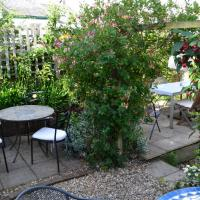 Tea Shop for Sale in Appledore with outdoor seating