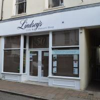 Shop to rent Barnstaple