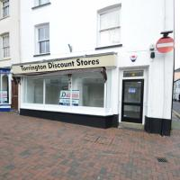 Shop to rent Torrington