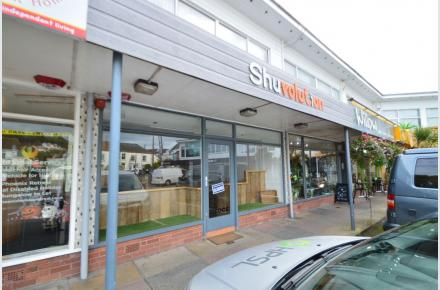 Shop to rent Braunton