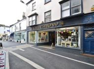 Retail premises to let Bideford